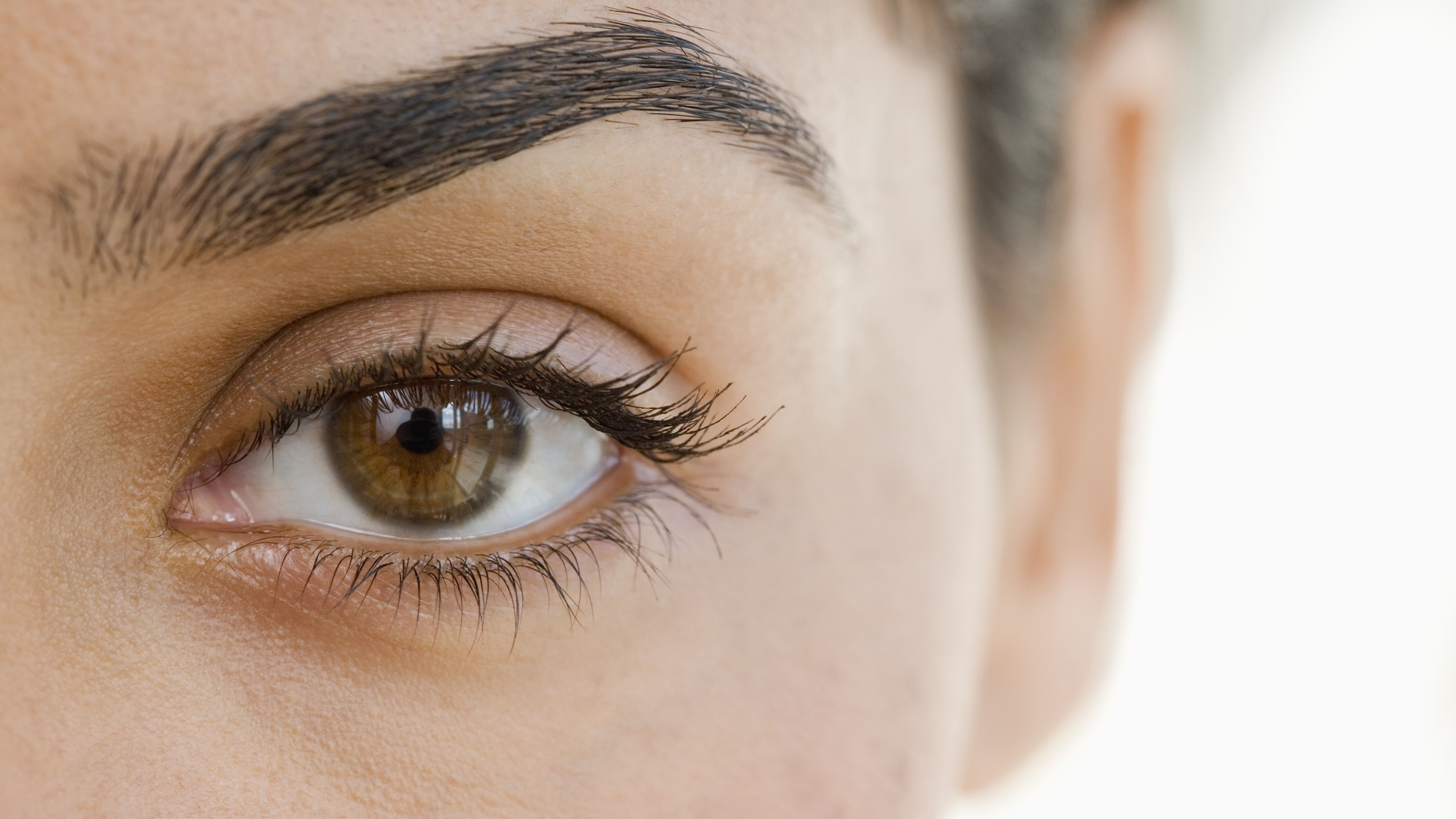 extreme-close-up-of-woman-s-eye-73231926-5afe152243a103003735aa7f