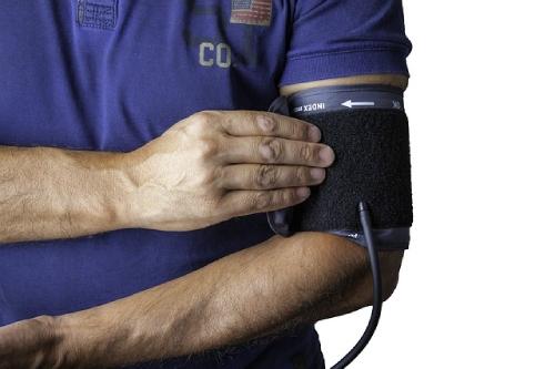blood-pressure-monitor-1749577_640%20(1)